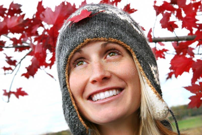 Menina com um sorriso grande fotografia de stock royalty free