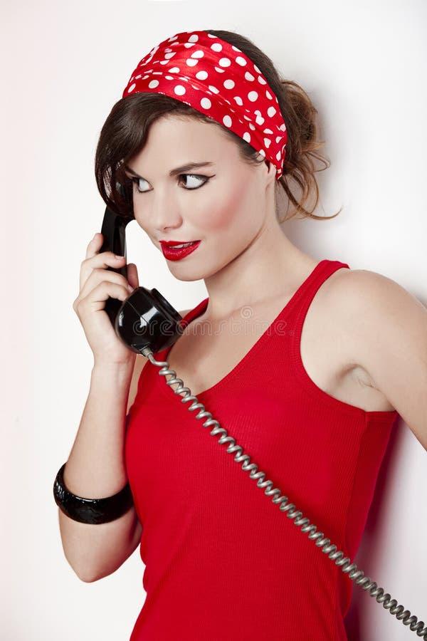 Download Menina Com Um Telefone Do Vintage Imagem de Stock - Imagem de telefone, adulto: 16872935