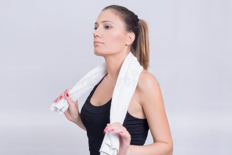 Menina com uma toalha imagens de stock royalty free