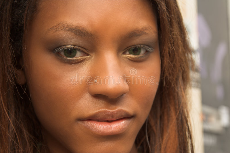 Menina consideravelmente africana foto de stock