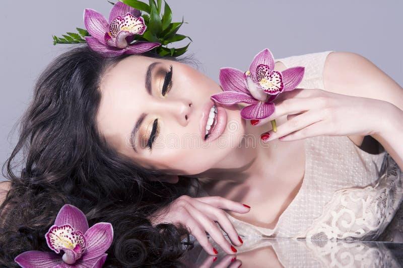 Cara modelo bonita da mulher fotografia de stock royalty free