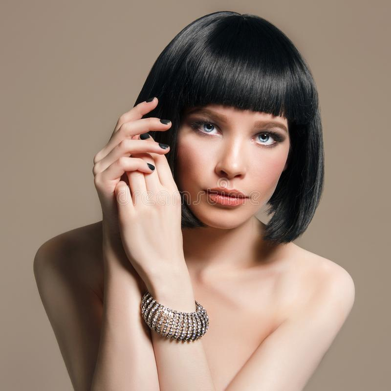 Menina da beleza com composição e penteado do prumo fotos de stock