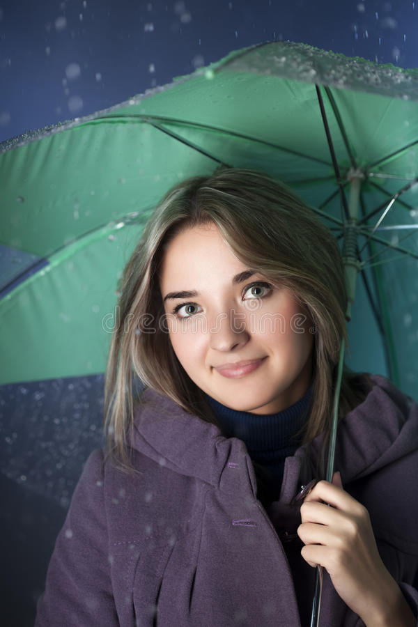 Menina da beleza com guarda-chuva imagens de stock