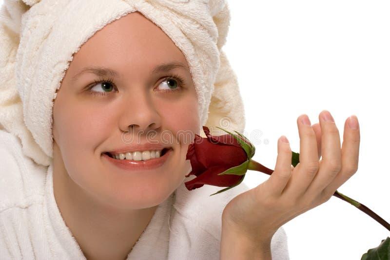 Menina da beleza na toalha após o chuveiro foto de stock