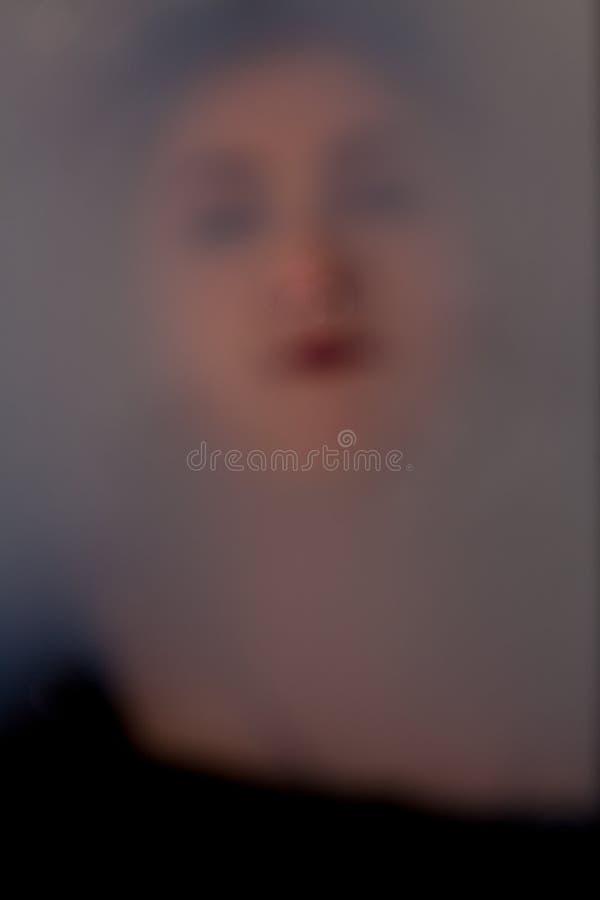 Menina da cara sob a água fotografia de stock royalty free
