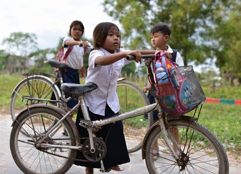 Menina da escola em Camboja fotos de stock