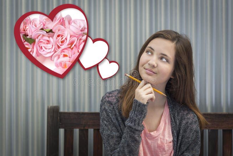Menina da fantasia ao lado dos corações de flutuação com rosas cor-de-rosa fotos de stock royalty free