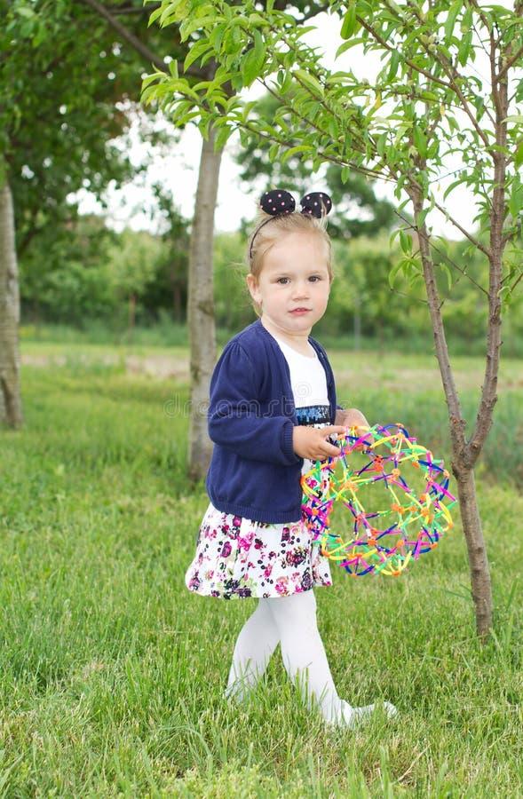 Menina da jovem criança do país imagens de stock