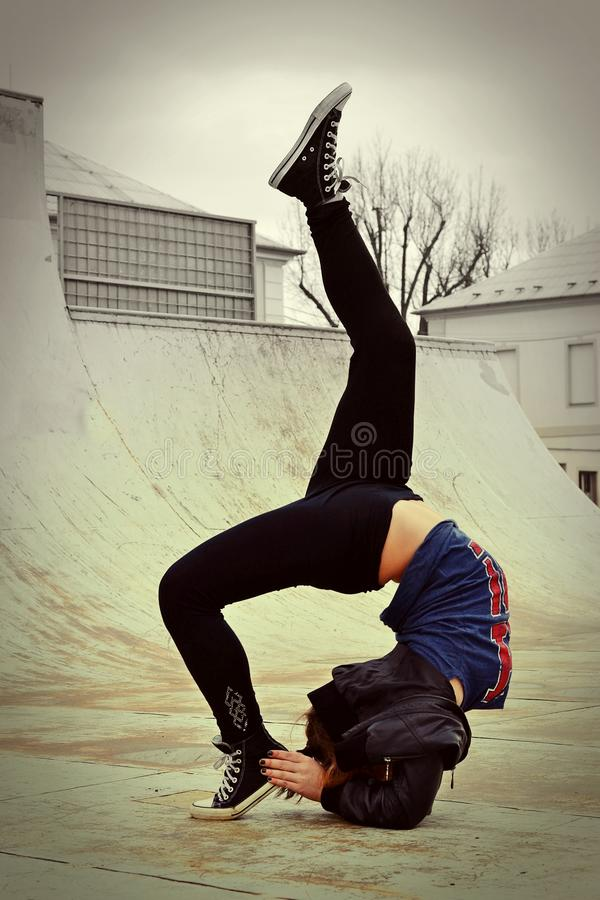 Menina de Breakdance fotos de stock