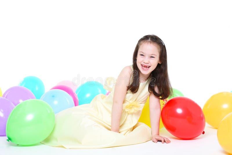 Menina de cinco anos com cabelo longo fotos de stock royalty free