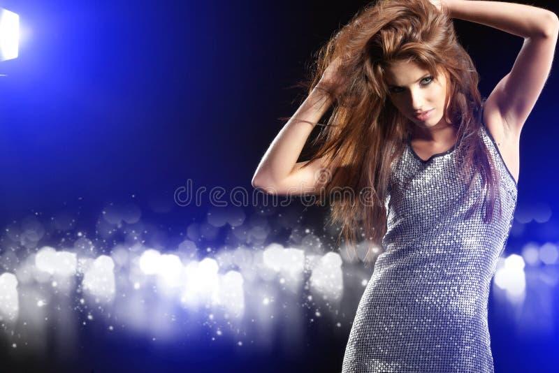 Menina de dança bonita imagens de stock