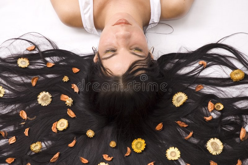 Menina de flor bonita fotografia de stock royalty free