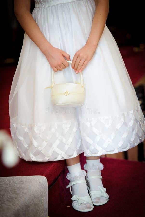 Menina de flor com cesta da flor imagem de stock