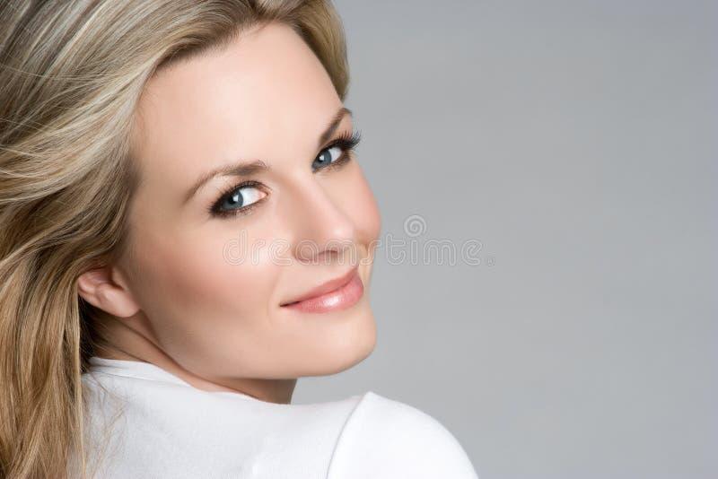 Menina de sorriso fotografia de stock