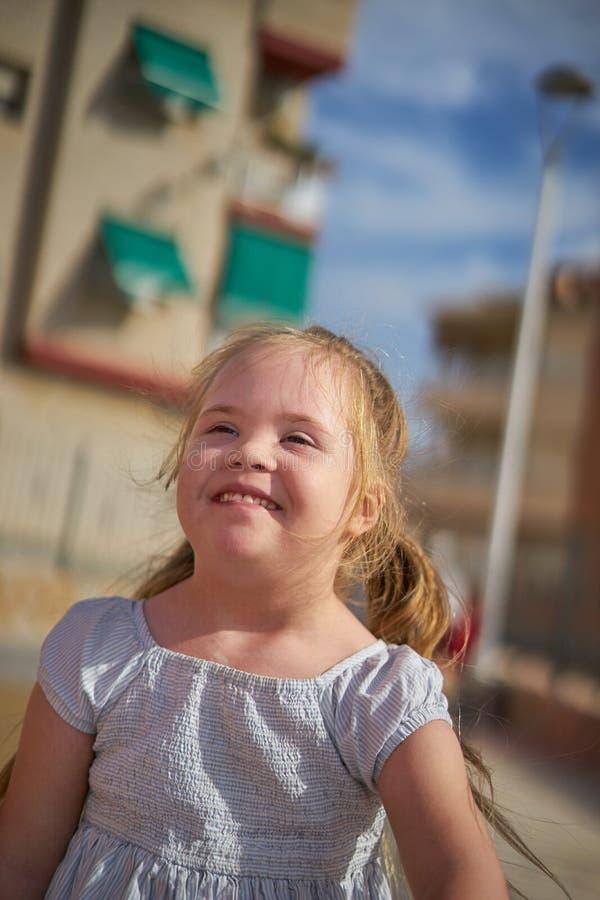 Menina de sorriso doce fotos de stock royalty free