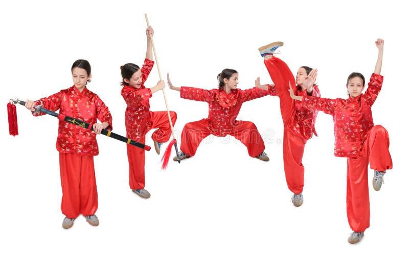 Menina de Wushu no vermelho fotografia de stock