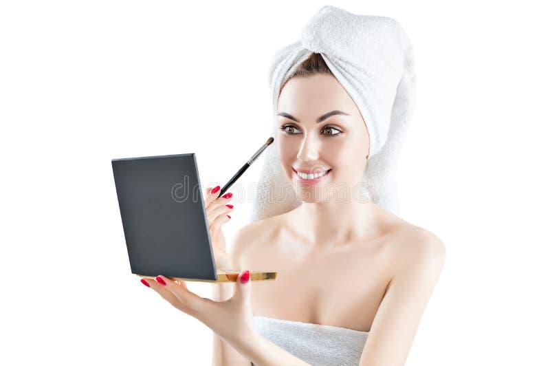 Menina deliciosa após um chuveiro com uma toalha atada em sua cabeça fotografia de stock royalty free
