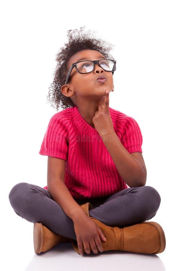 Menina Do Americano Africano Assentada No Assoalho Imagens de Stock