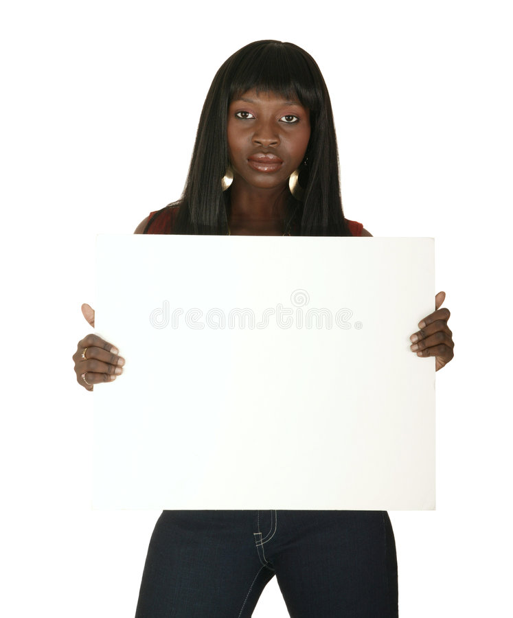 Menina do americano africano que prende a placa branca fotos de stock royalty free