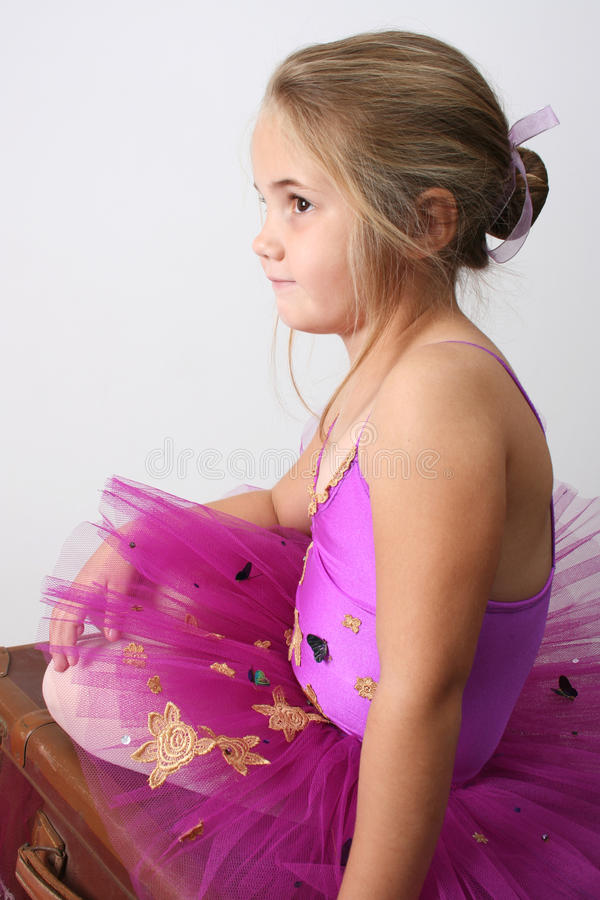 Download Menina do bailado foto de stock. Imagem de minúsculo - 10068280