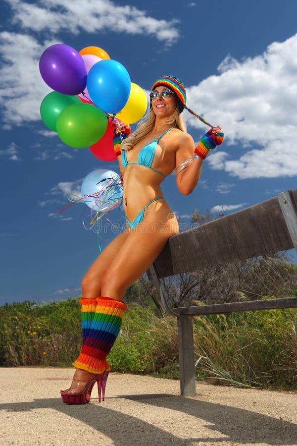 Menina do balão do biquini fotos de stock