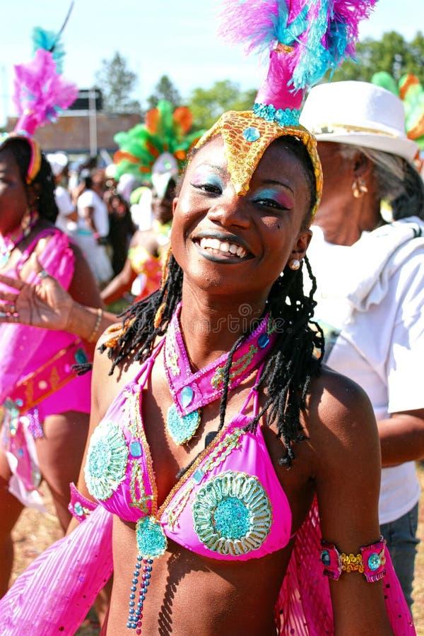 Menina do biquini do rosa do carnaval de Atlanta imagem de stock royalty free