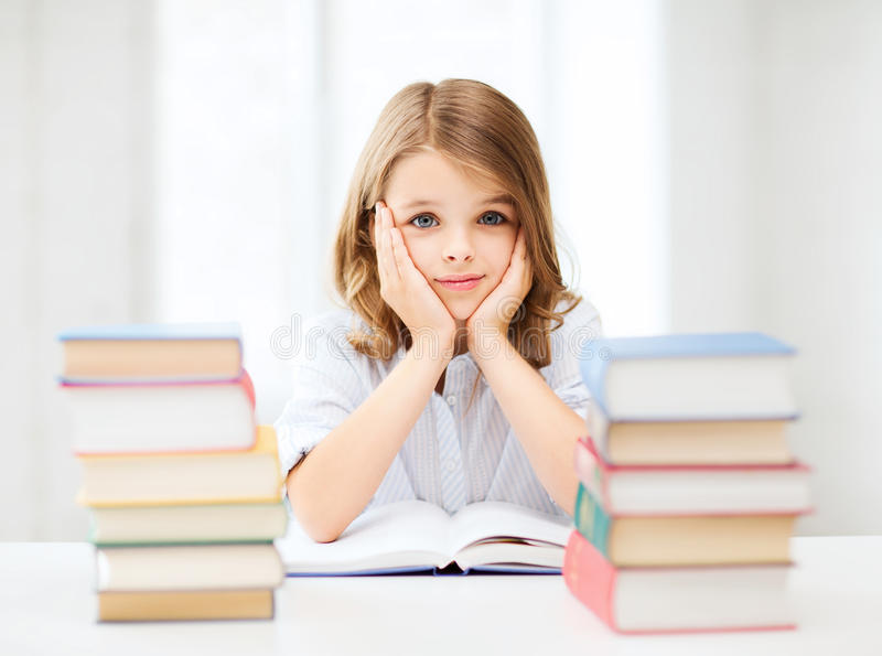 Menina Do Estudante Que Estuda Na Escola Foto de Stock Royalty Free