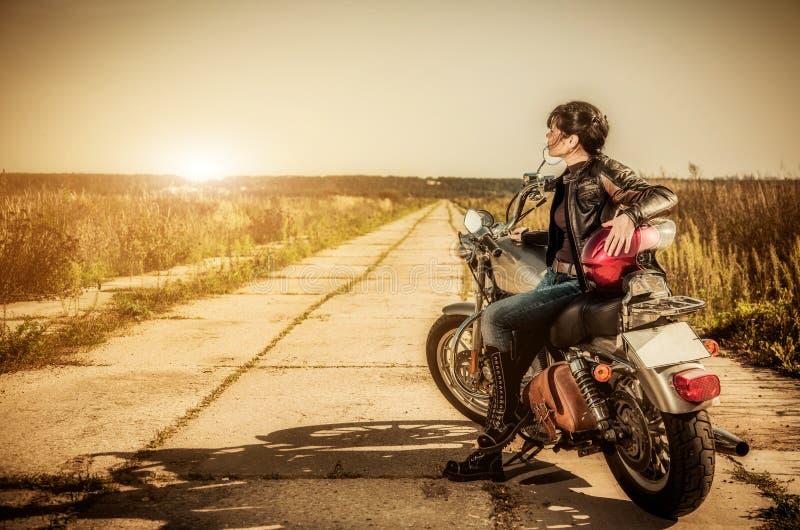 Menina do motociclista imagem de stock royalty free