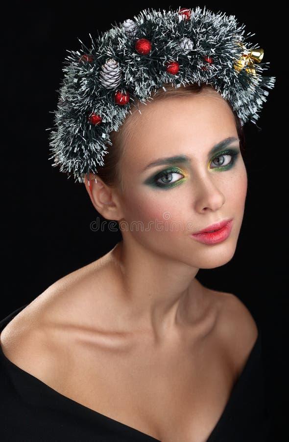 Menina do Natal Grinalda bonita do Natal Ano novo imagem de stock