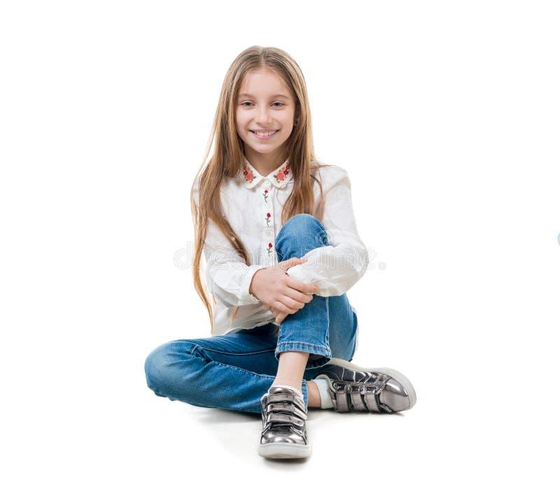 Menina do Preteen com o cabelo reto longo, isolado imagens de stock