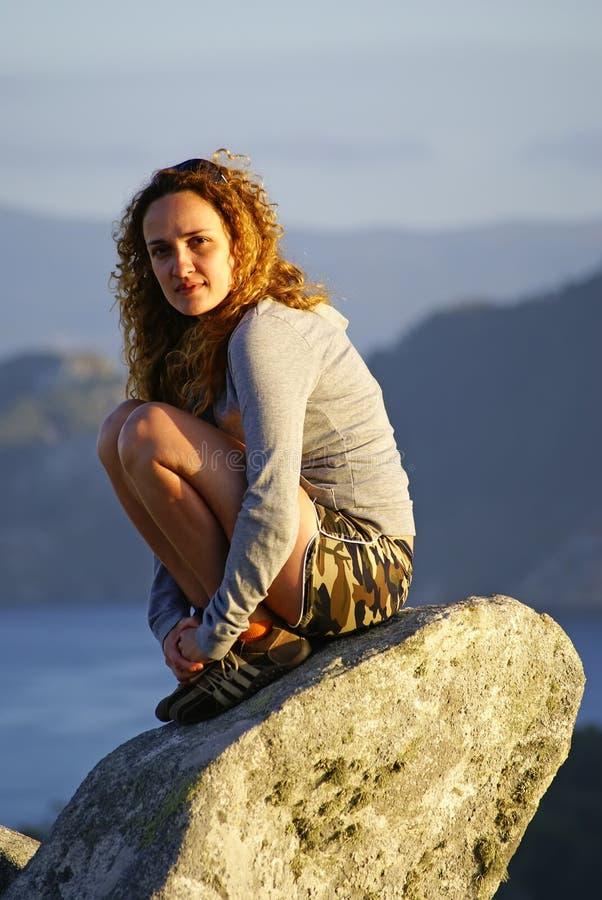 Menina do ruivo em férias na Espanha fotos de stock