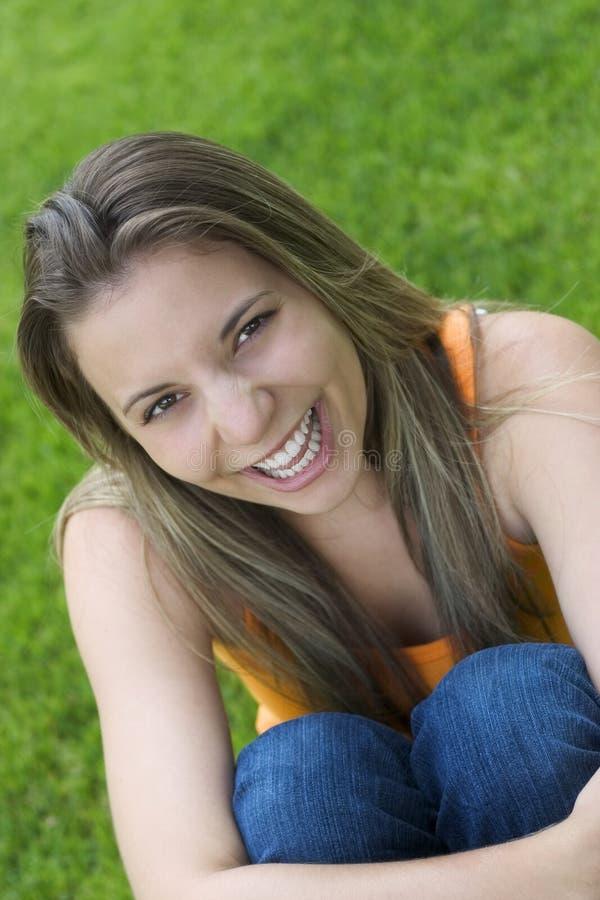 Menina do sorriso imagens de stock royalty free