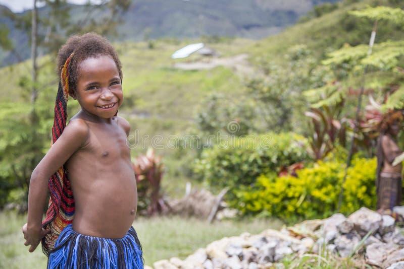 Menina do tribo de Dani foto de stock royalty free