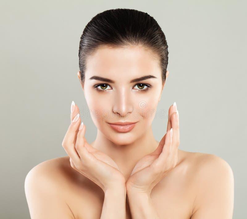 Menina dos termas Woman modelo bonito com pele saudável, cara bonito imagem de stock