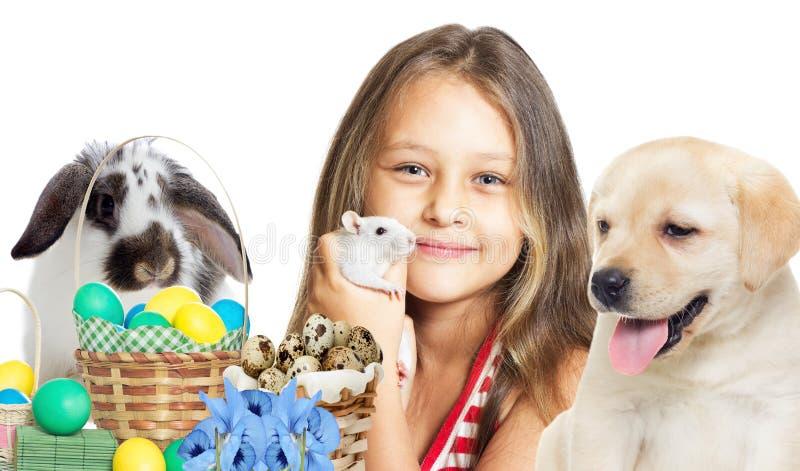 Menina e animais de estimação bonitos imagem de stock
