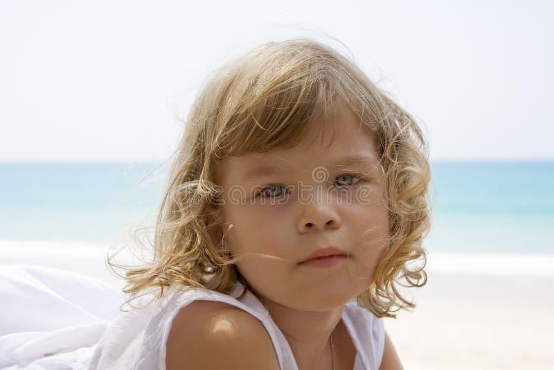 Menina e mar imagens de stock royalty free