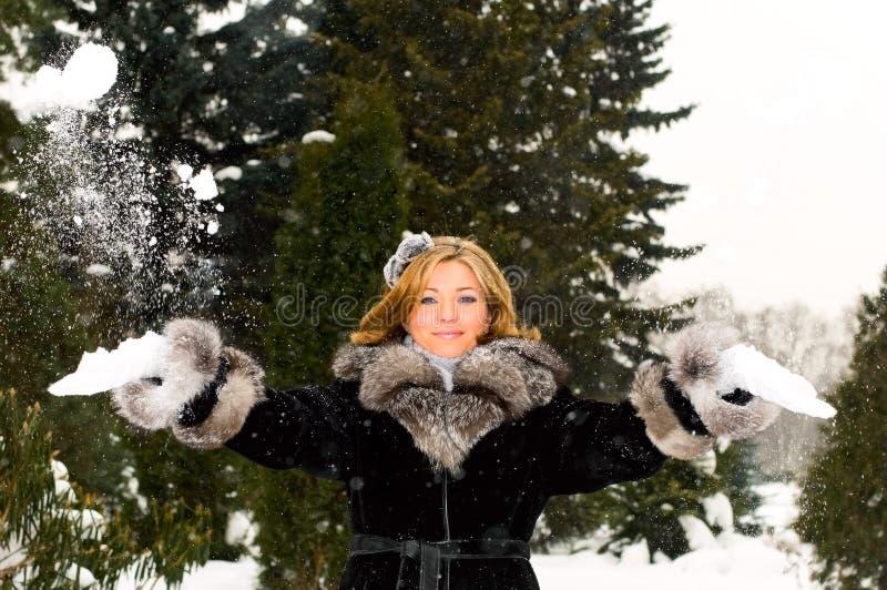 Menina e neve imagem de stock royalty free