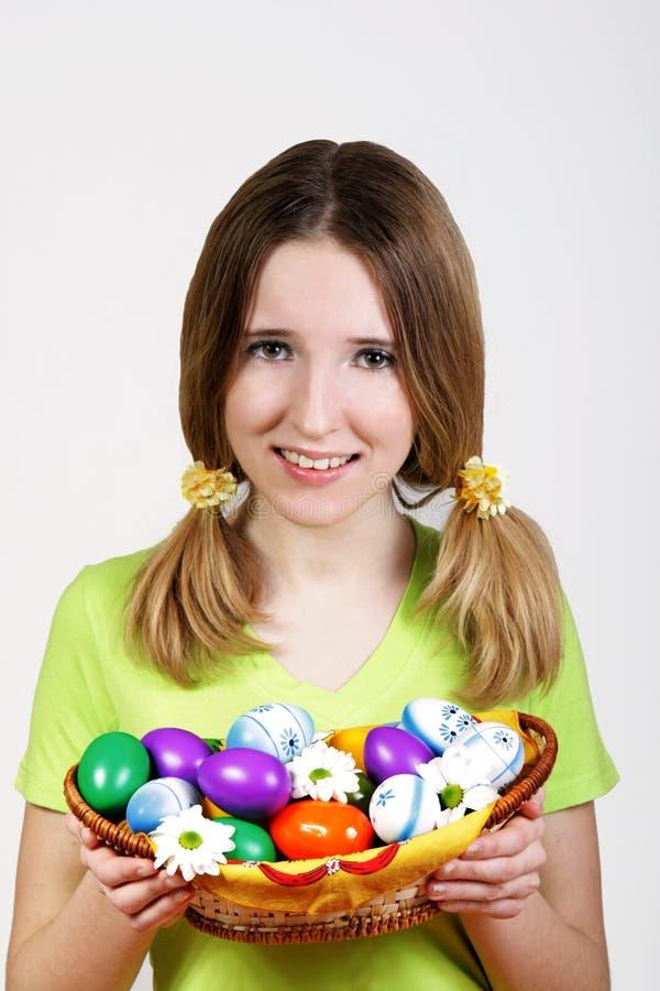 Menina e ovo de easter fotografia de stock