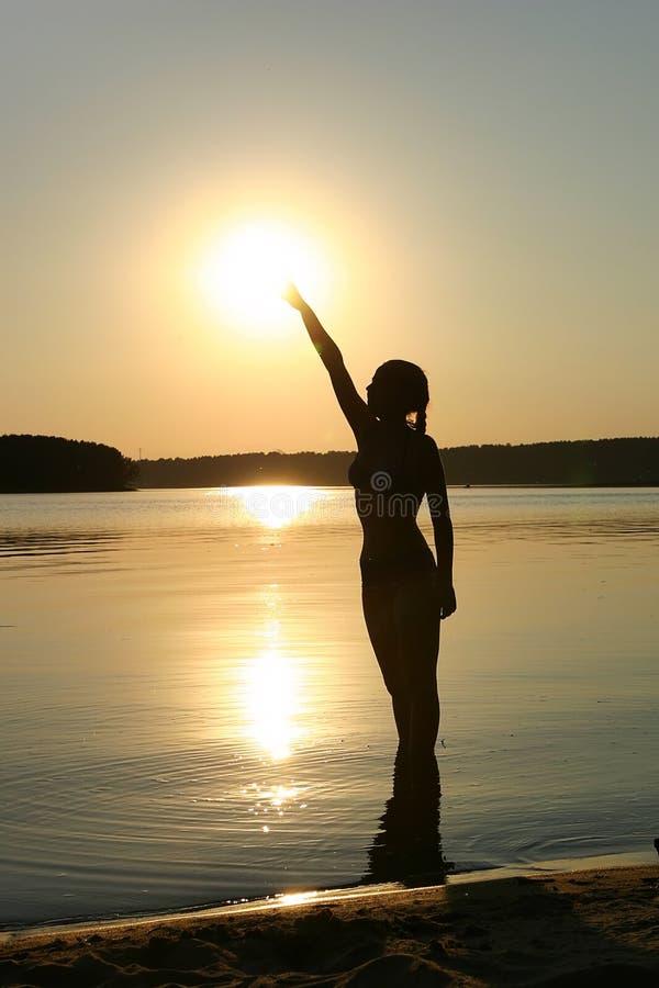 Menina e sol imagens de stock royalty free