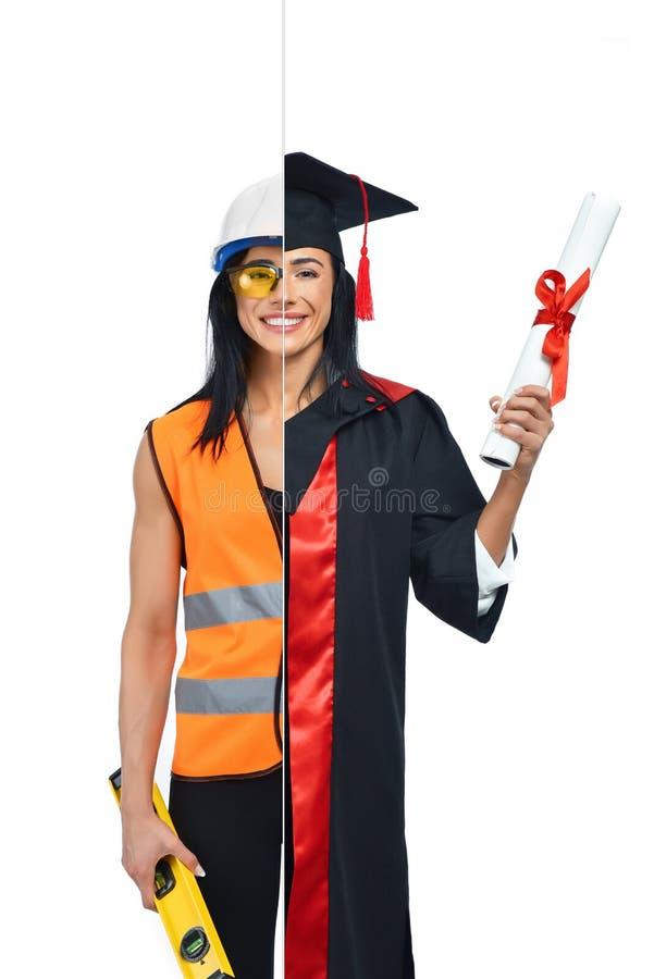 Menina em duas ocupações do buider e do graduado orgulhoso foto de stock