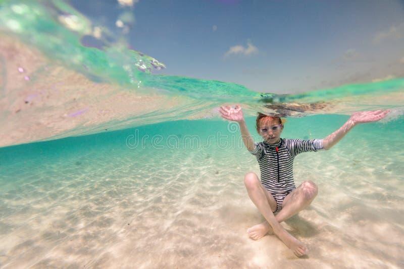 Menina em férias imagem de stock royalty free
