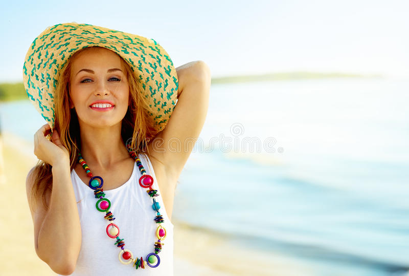 Menina em um chapéu imagem de stock royalty free
