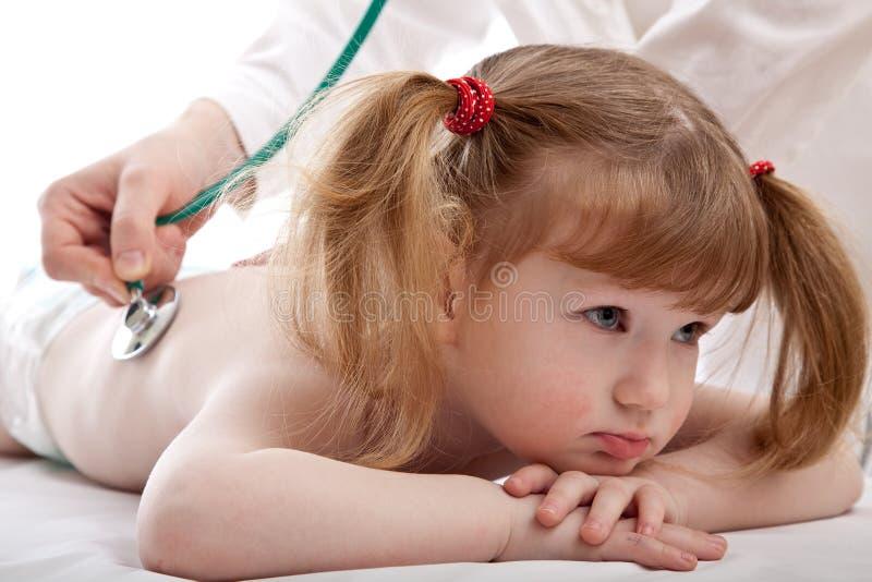 Menina em um hospital fotos de stock