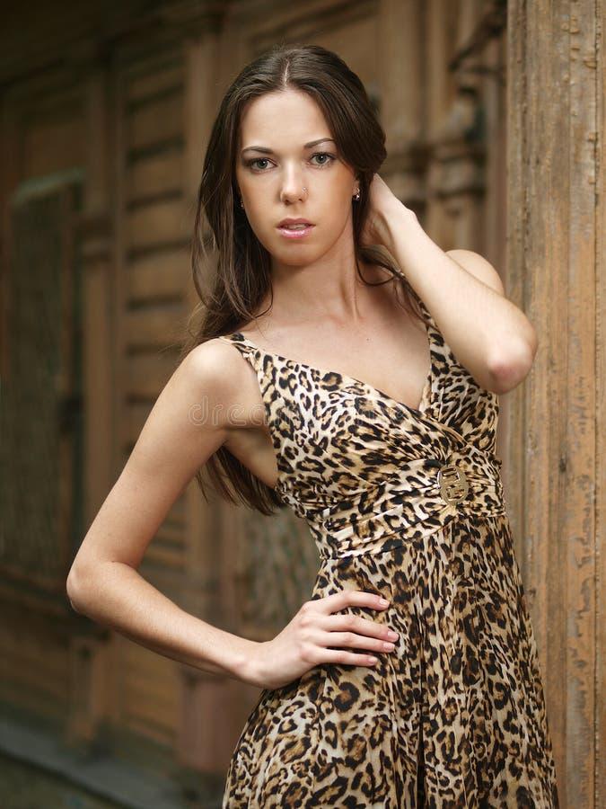 Menina em um vestido fotografia de stock
