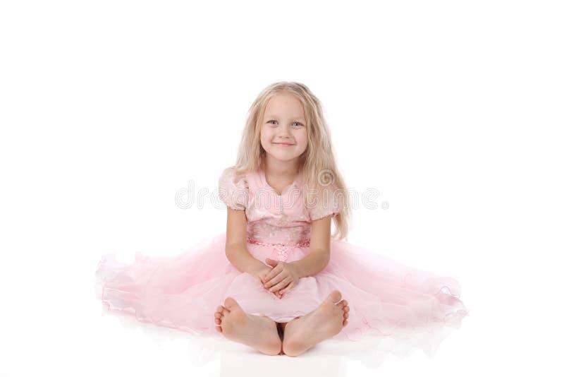 Download Menina Em Um Vestido Elegante Cor-de-rosa. Imagem de Stock - Imagem de pouco, meninas: 16868031