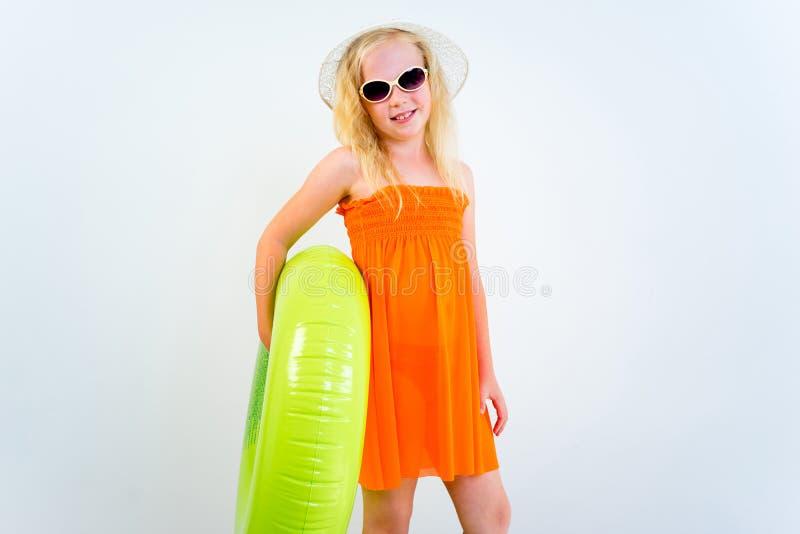 Menina em uma praia foto de stock royalty free