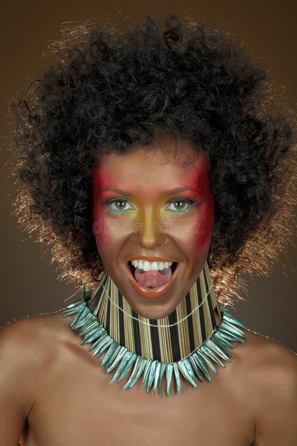 Menina engraçada com cabelo afro imagem de stock