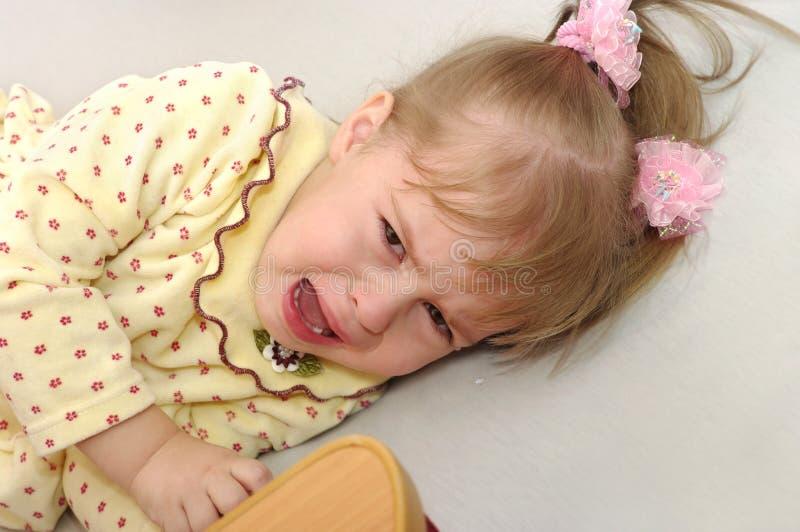 A menina está gritando fotos de stock