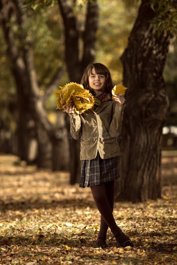 Menina feliz ao ar livre fotografia de stock royalty free