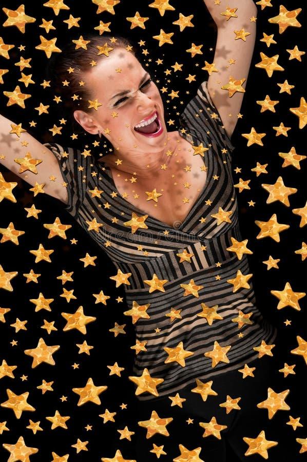 Menina feliz no céu estelar foto de stock royalty free